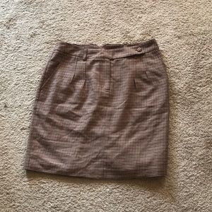 H&M Size 8 skirt with pockets
